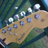 Продавам Fender Stratocaster Highway one USA - 2010